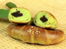 綠茶紅豆包餡牛角